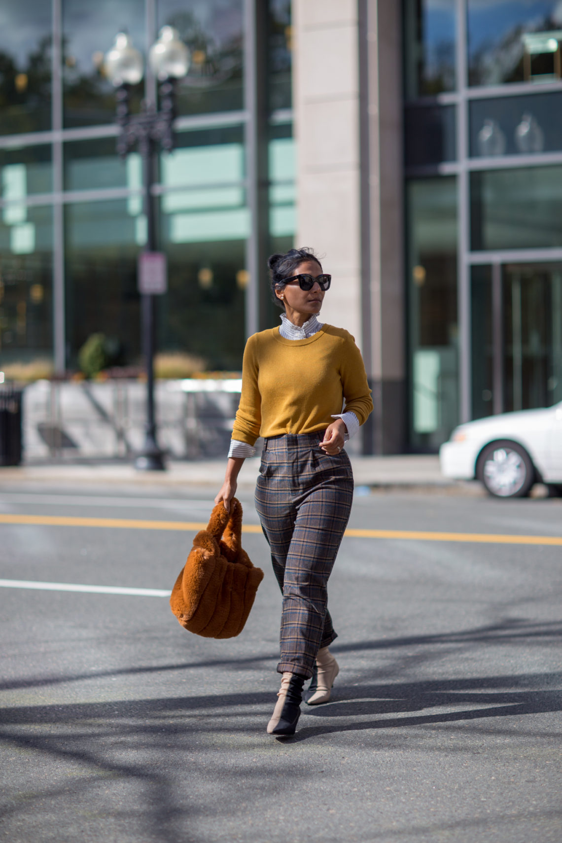 highwaist, work style, plaid pants, plaid trousers, checked trousers, office outfit, mustard sweater, forever21